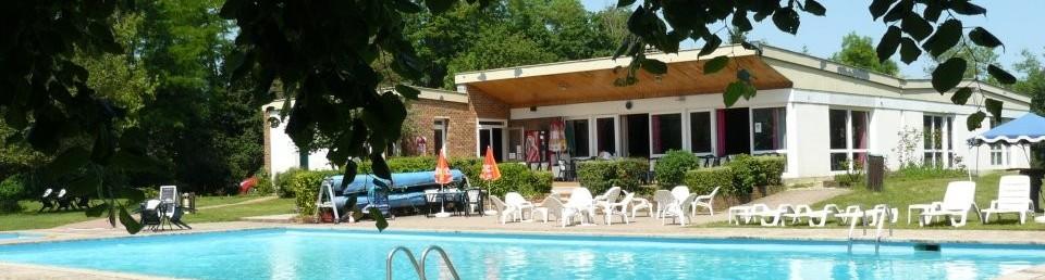 piscine chateau des cours
